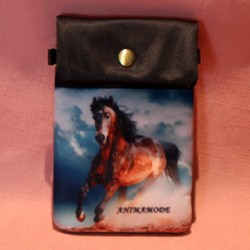 Pochette de téléphoen cheval marron au galop