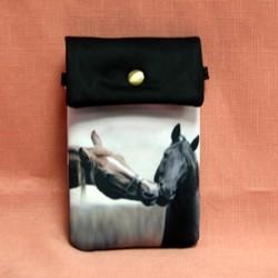 Pochette de téléphone deux têtes de cheval