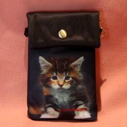 Pochette de téléphone chaton debout