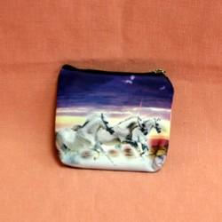 Porte monnaie plat trois chevaux galopant sur fond violet